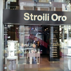 Photo taken at Stroili Oro by Beppe A. on 8/7/2013