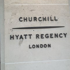Photo taken at Hyatt Regency London - The Churchill by ℜidzwanℜosdin on 4/19/2013