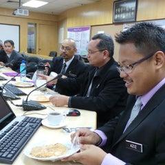 Photo taken at Bahagian Teknologi Pendidikan by Mkn A. on 10/1/2013