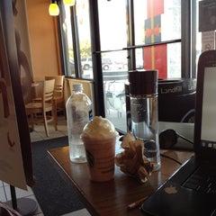 Photo taken at Starbucks by Mariya O. on 12/15/2012