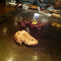 Photo taken at Kobe Japanese Steak House by Lee A. on 4/24/2013