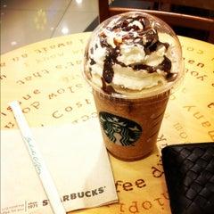 Photo taken at Starbucks (สตาร์บัคส์) by Mercedez B. on 11/23/2012