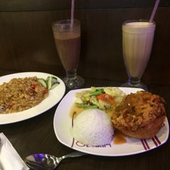 Photo taken at Solaria by Efrida T. on 8/10/2015