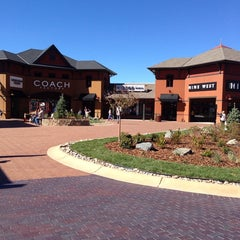 Photo taken at Outlets at Castle Rock by Lis M. on 10/6/2013