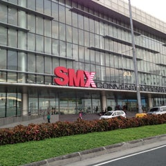 Photo taken at SMX Convention Center by Cenen Carlo R. on 4/28/2013