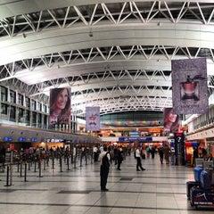 Photo taken at Aeropuerto Internacional de Ezeiza - Ministro Pistarini (EZE) by diogo on 4/29/2013