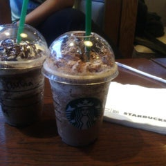 Photo taken at Starbucks by Auleea Christiana S. on 6/6/2013