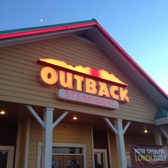 Photo taken at Outback Steakhouse by Paul W. on 7/4/2014