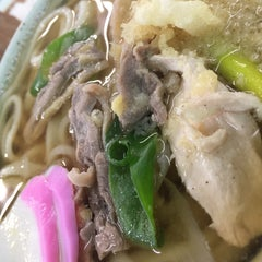 Photo taken at 久米池うどん by 健雄 川. on 3/21/2015