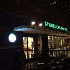 Photo taken at Starbucks Coffee 大阪ガーデンシティ店 by Shuya @. on 10/7/2013