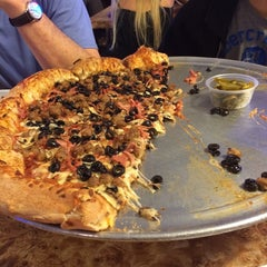 Photo taken at Vincenzo's Pizza by Asbed B. on 6/8/2014