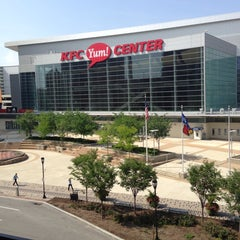 Photo taken at KFC Yum! Center by Ronn B. on 6/27/2013