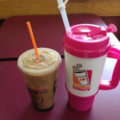 Photo taken at Dunkin' Donuts by Stacy W. on 5/11/2014