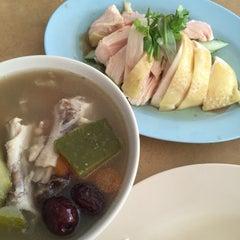 Photo taken at Restaurant Yat Yeh Hing by Jasony on 11/18/2015
