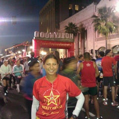 Photo taken at Hollywood Half Marathon & 5k / 10k by Lisa F. on 4/5/2014