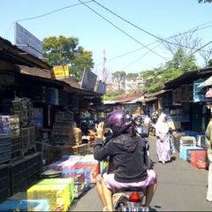 Photo taken at Pasar Burung Kota Malang by Ratna P. on 7/19/2013