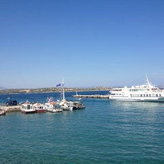Photo taken at Ρούσσος (Roussos) by Ioannis C. on 9/9/2013