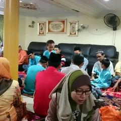 Photo taken at Kampung Bukit Changgang by Zulaikha Z. on 9/24/2015