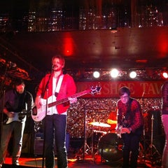 Photo taken at Horseshoe Tavern by Paul D. on 1/12/2013