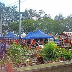 Photo taken at Pasar Malam Port Dickson by Izwan A. on 5/10/2014