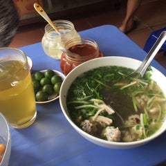 Photo taken at Phở 248 Định Công by 5 B. on 8/26/2015