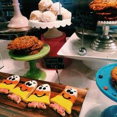 Photo taken at Bake by Pablo J. on 10/5/2014
