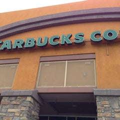 Photo taken at Starbucks by Yxes 💋🍂🍁 ☕. on 12/22/2012