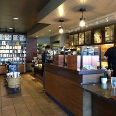 Photo taken at Starbucks by Yxes 💋🍂🍁 ☕. on 4/27/2013