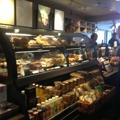 Photo taken at Starbucks by Yxes 💋🍂🍁 ☕. on 4/30/2013