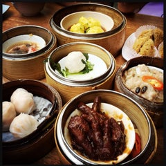 Photo taken at Yuan Garden Dim Sum House by William L. on 9/28/2014