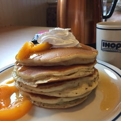 Photo taken at IHOP by Dianne H. on 10/11/2014
