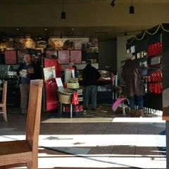 Photo taken at Starbucks by Karo K. on 12/27/2014