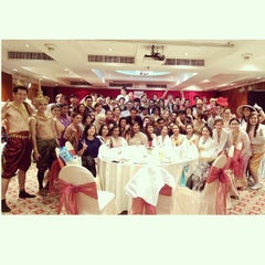 Photo taken at Evergreen Laurel Hotel by Pawoot (Pom) P. on 1/23/2015