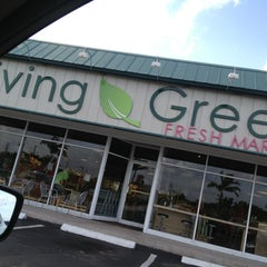 Photo taken at Living Green Fresh Market by Ted G. on 7/25/2013