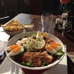 Photo taken at Cafe-restaurant Steakhouse Boschzicht by Daniël F. on 7/9/2013