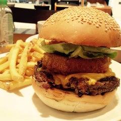 Photo taken at Gourmet Burger Kitchen by Najib G. on 10/8/2014