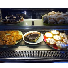 Photo taken at Wonderful by Food C. on 7/10/2015