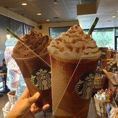 Photo taken at Starbucks by @LorenzoAgustin ☆ on 4/29/2013