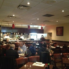 Photo taken at Kanda Sushi Bar by Jorge Luis on 11/14/2012
