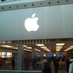 Photo taken at Apple Store by Mike D. on 12/8/2012