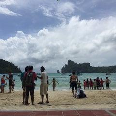 Photo taken at Phi Phi Island Cabana Hotel by Junekung M. on 7/4/2015