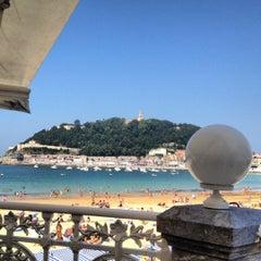 Photo taken at Café de La Concha by Jl P. on 9/8/2012