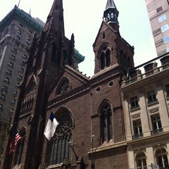 Photo taken at Fifth Avenue Presbyterian Church by Randall G. on 6/18/2013
