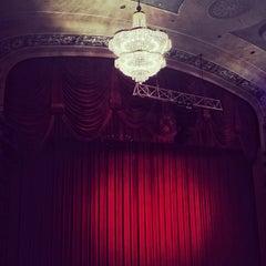 Photo taken at Gerald Schoenfeld Theatre by Fernando B. on 11/18/2012