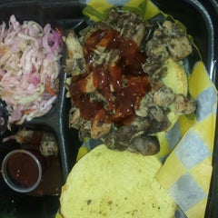 Photo taken at Curley's Q BBQ Food Truck & Catering by Reina on 6/12/2015