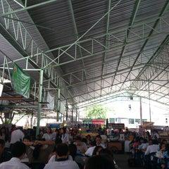 Photo taken at ตลาดรวมทรัพย์ by Thiraphat V. on 3/21/2013