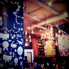 Photo taken at カフェ ゼノン (CAFE ZENON) by tnk a. on 12/12/2012