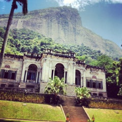 Photo taken at Parque Lage by Jô M. on 12/13/2012