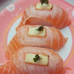 Photo taken at Sakae Sushi by HweeYi C. on 5/1/2013
