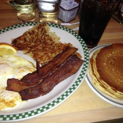 Photo taken at Magnolia Pancake Haus by Lacy D. on 11/13/2012